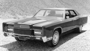 1970 Lincoln Continental.jpg