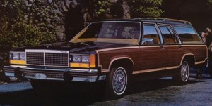 1980 Ford LTD Country Squire.jpg