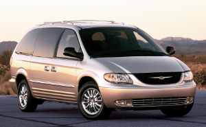 2002 Chrysler Town & Country.jpg