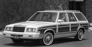 1983 Chrysler Town & Country.jpg