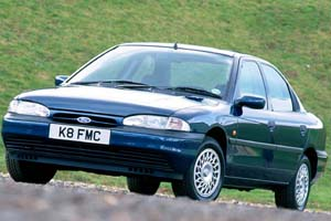 1993 Ford Mondeo.jpg